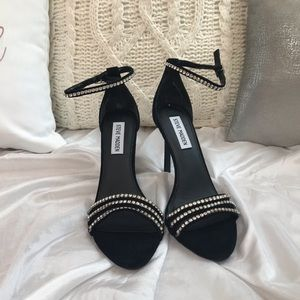*BRAND NEW IN BOX* Steve Madden heels